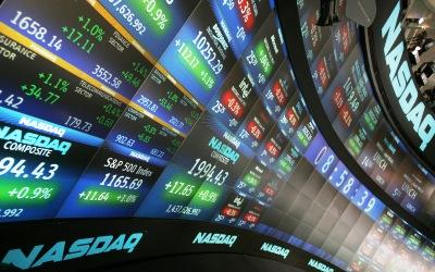 美国股市一路高歌 投资者嗅到危机