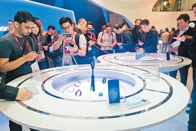 中国手机  撑起世界移动通信大会半边天