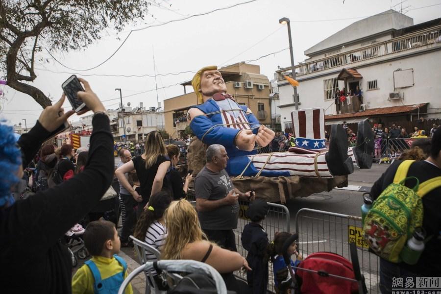 犹太人庆祝普林节 川普以这样的方式出场