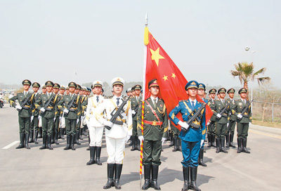 中国三军仪仗队首次亮相巴基斯坦