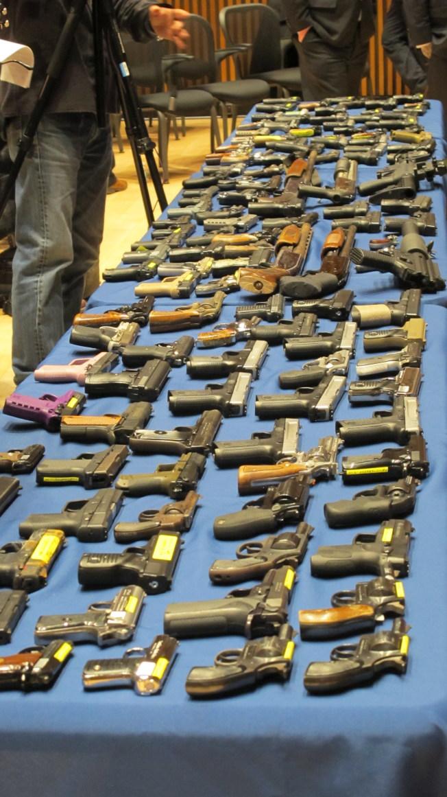 美跨州枪支走私案告破 华人竟扮这个角色