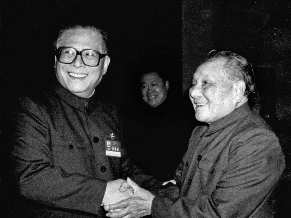 邓小平告诫江泽民:不许他们那么做