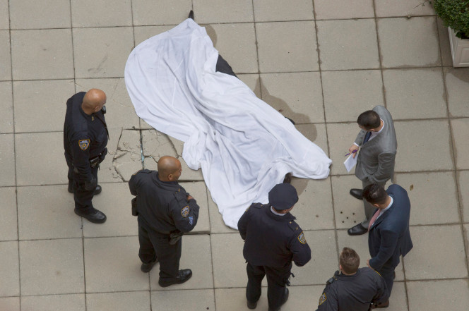 惨遭庞氏骗局,投资人从纽约24层跳楼亡
