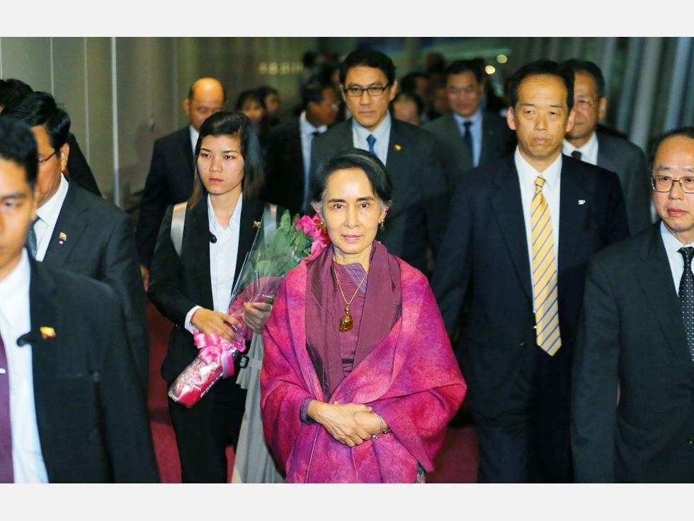 缅甸总统将访华 昂山素季力拒退位让贤