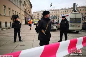 普京到爆炸案地铁站献花 凶嫌为中亚人