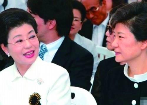 坑姐30年 朴槿惠妹妹:顶你是因为你太惨