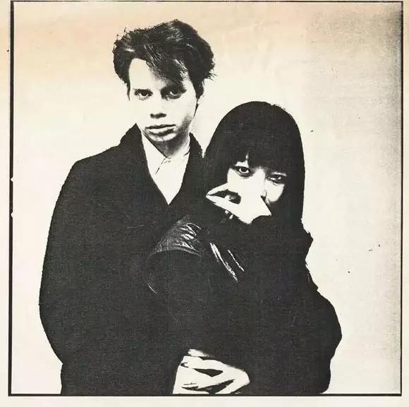 费翔的姐姐Anya是70年代纽约无浪潮音乐的先驱