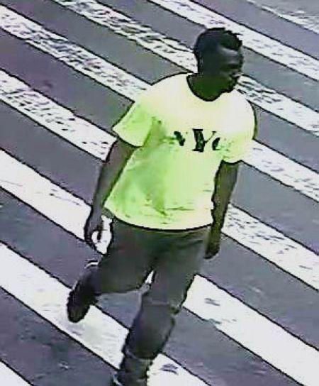 他藏在曼哈顿女厕所  企图强奸18岁少女