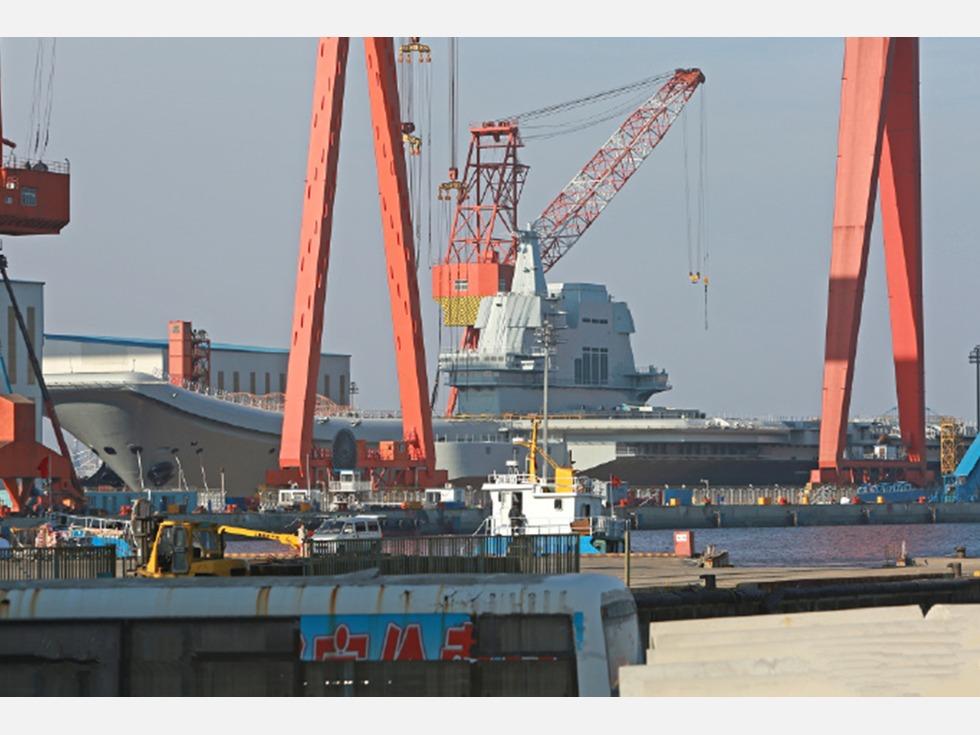 航母下水在即 中国海军将走出近海