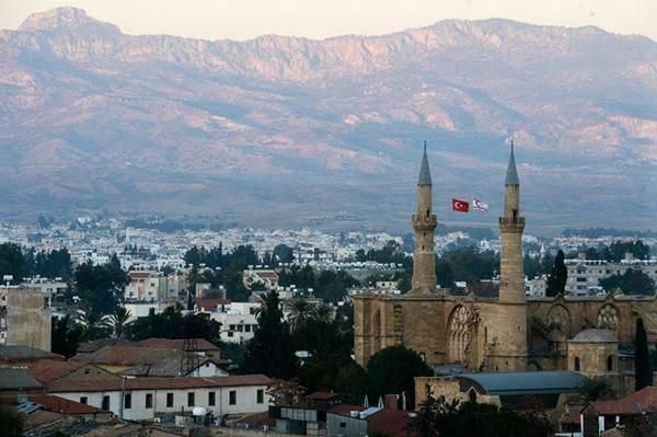此国花了一百多年驱逐大批土耳其人,成功去伊斯兰化
