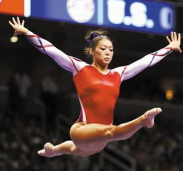 他追到体操第一美女定居美国,女儿在赛场对决中国