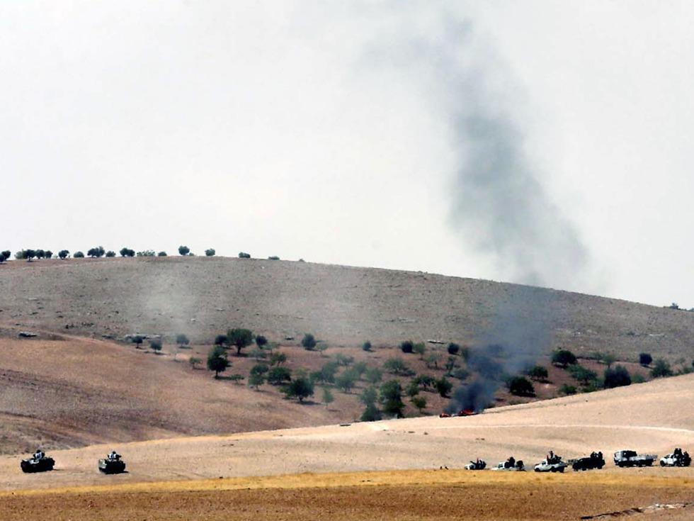 美军装甲部队突然开到叙土边境 冲谁而来?