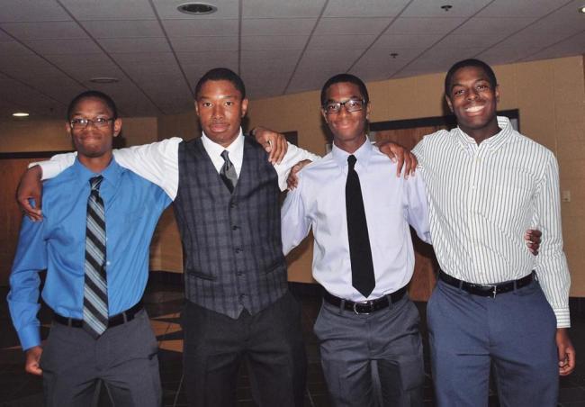 俄亥俄州四胞胎兄弟 决定全上耶鲁大学