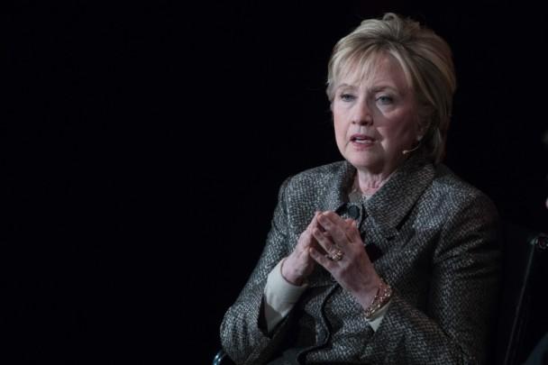 希拉里:FBI局长和俄罗斯害我没总统做