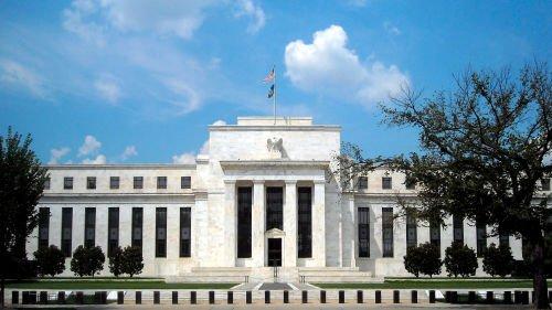美联储宣布不加息 黄金急跌 美元暴涨