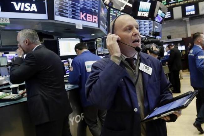 川普丑闻血洗美国股市 道指暴跌370点