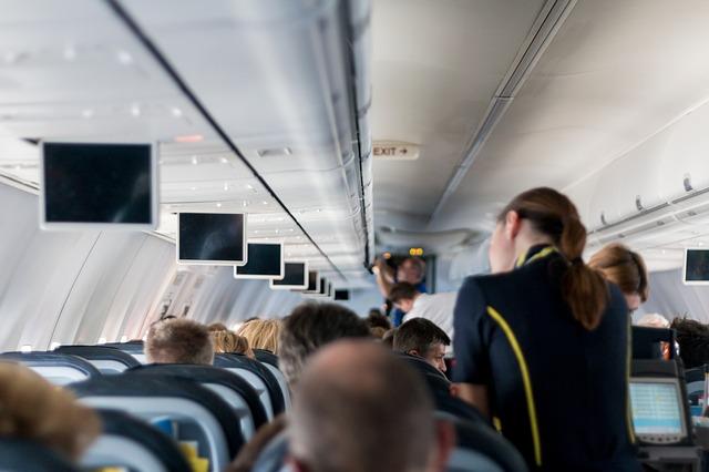 aircraft-2104594_640.jpg