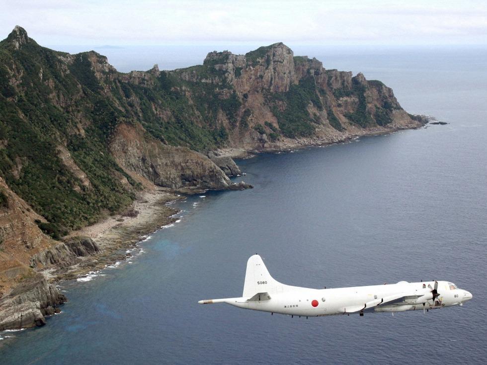 日本派出4架军机对付中国1架无人机
