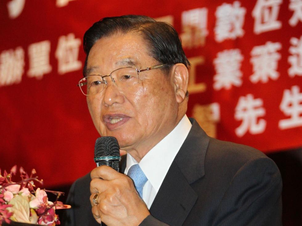 """国民党原副主席访京 对郭金龙提""""小心愿"""""""