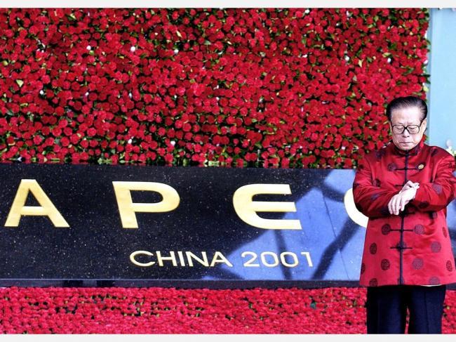 中国城市抢人才  上海市长驾临老江母校
