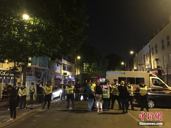快讯:伦敦货车冲撞事件已造成2人死亡