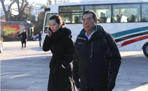 51岁梦鸽和78岁李双江近照 昔日辉煌不再