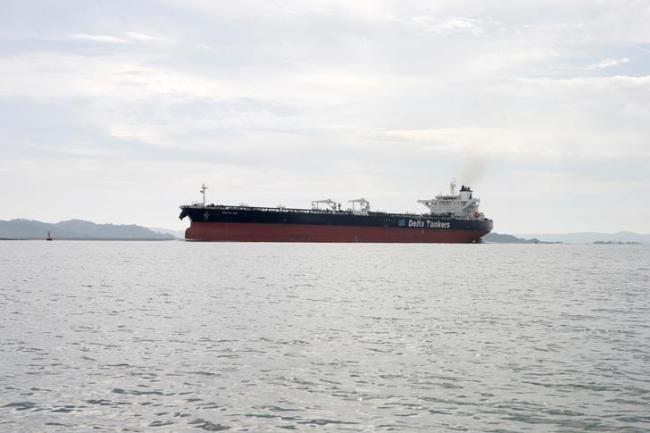 最新迹象:原油过剩卖不出 存超级油轮