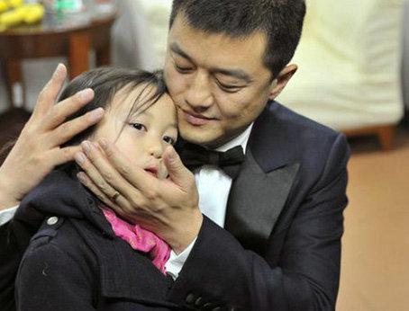 争夺窦靖童却放弃李嫣 王菲首次回应原因