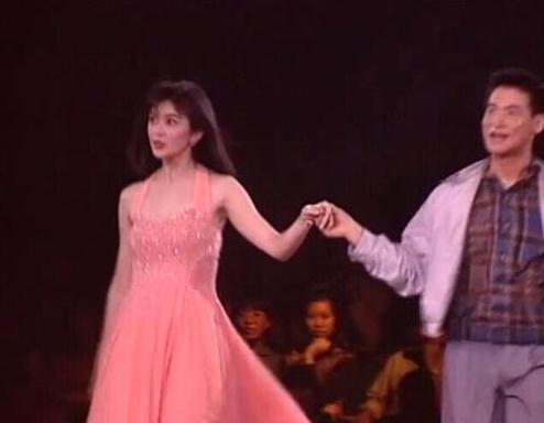 关之琳26年前照片 美到极致气质脱俗