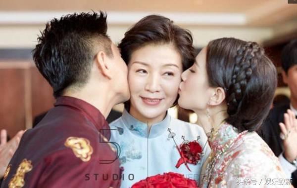 47岁吴奇隆亲吻49岁的岳母 场面太尴尬