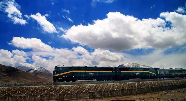 中国开始修建第二条通往西藏的铁路