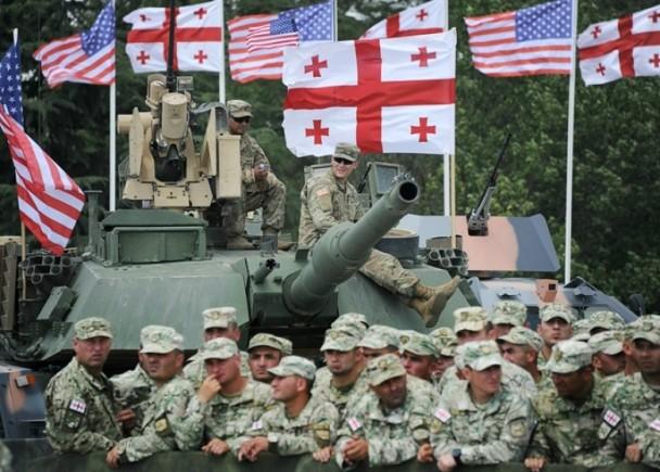 美国戳敏感点格鲁吉亚 俄紧急动员10万兵