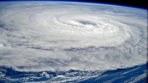 地表最强风暴!诺卢经台湾 直扑日本