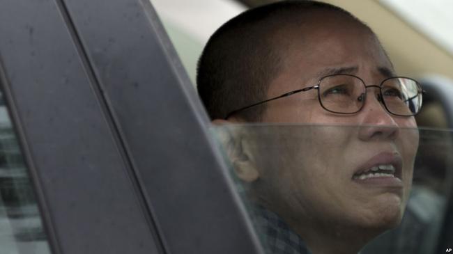 刘霞接连失去父母丈夫 精神濒临崩溃