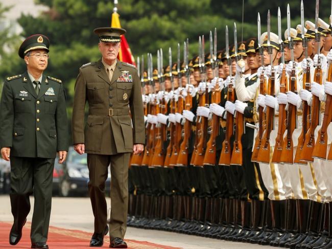 美军最高将领访华:灭火还是浇油?