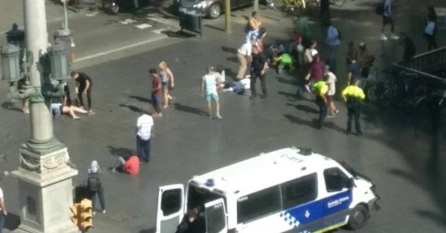 巴塞罗那恐袭13死100伤 2嫌犯被捕