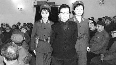 林彪为何很怕江青?做坏事心狠手辣!