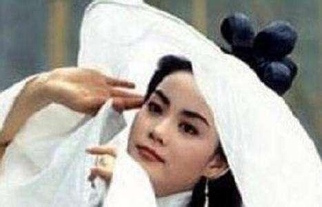 王菲24年前古装造型白娘子 高冷形象被毁