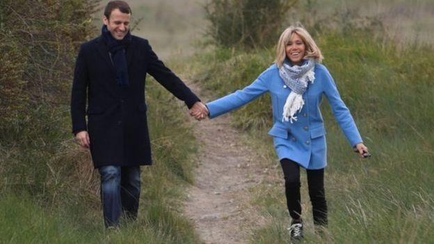 这就是爱?法国总统马克龙为妻子拼名分