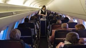华裔母女被拒登机  自费找丢失行李