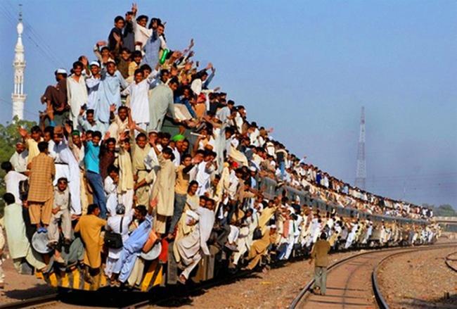 """眼红""""中国速度"""" 印度也要建超级高铁"""