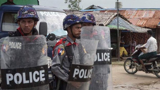 屠杀警察的罗兴亚救世军是恐怖组织吗?