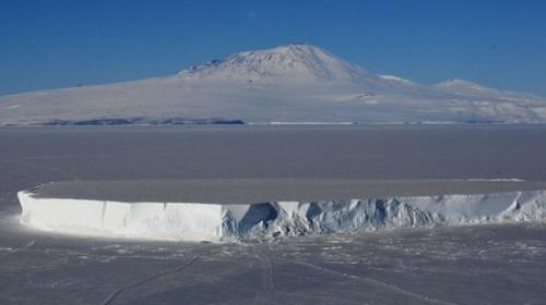 3000万年前,南极大陆气候温和,草木茂盛。冰川纪改变了一切。但科学家相信冰封下仍有生命在繁衍进化。图为资料图。(图片来源:法新社)
