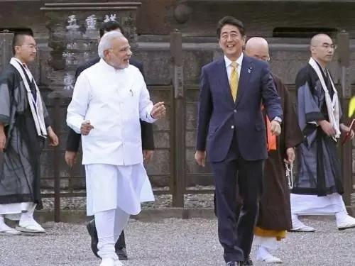 印度挖坑!一边喊中国给钱一边突袭巴铁