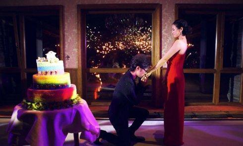 同在女友36派对求婚,李晨汪峰谁更花?