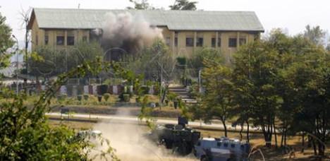 巴武装突袭机场不成 转头猛炸印军营