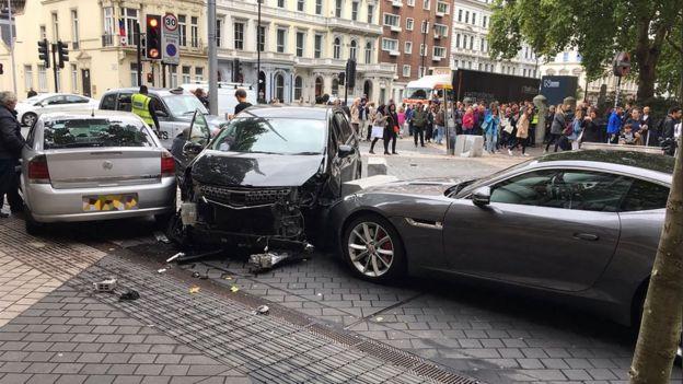 伦敦汽车蓄意撞人:发生了什么?恐袭吗