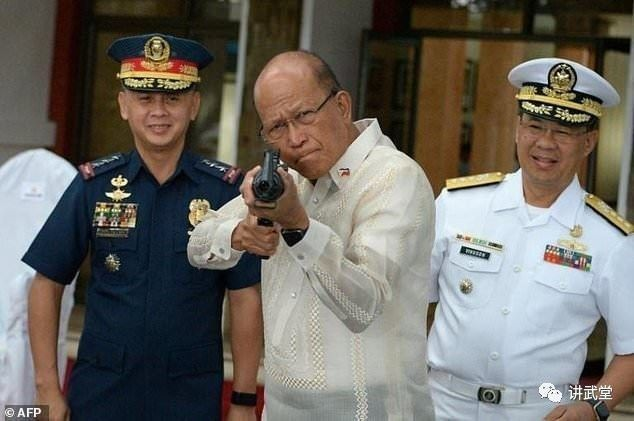 中国连续向菲律宾援助先进武器,为啥?