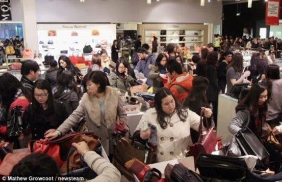 中国游客3分钟买空一家店 加拿大人吓傻