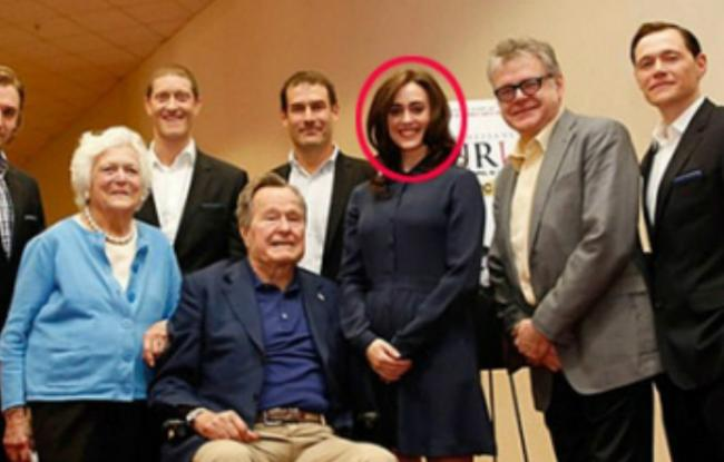 美女星指控老布什非礼 芭芭拉就在身旁